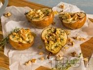 Печени пълнени круши със синьо сирене и кедрови ядки на фурна